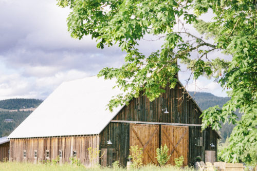 Niki Rhodes Photography // Tin Roof Barn