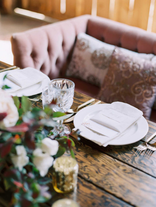 gorge-wedding-farm-sweetheart-table