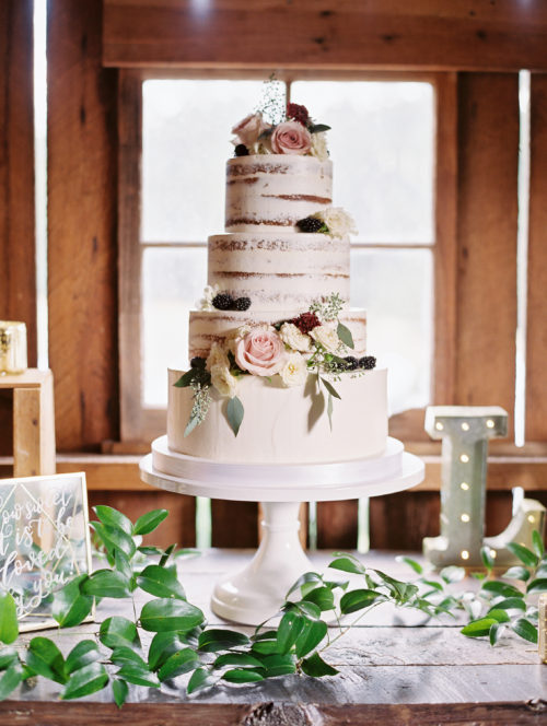 gorge-wedding-four-tier-wedding-cake