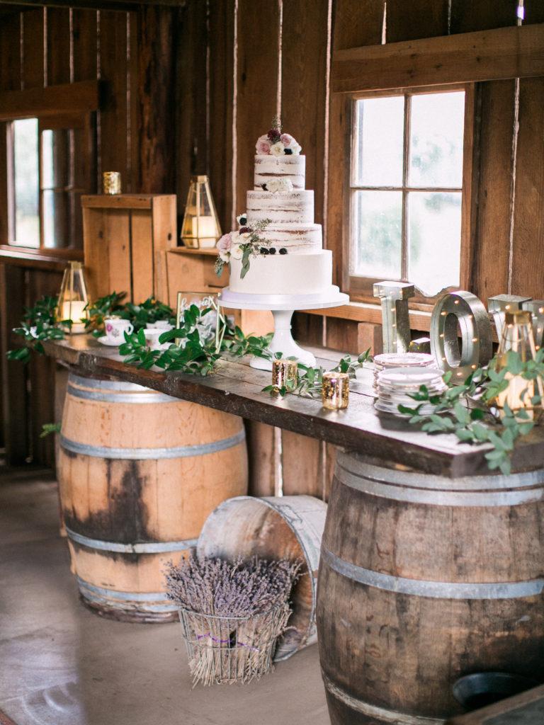 gorge-wedding-four-tier-wedding-cake